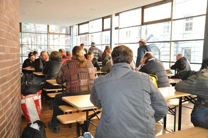 Der Große Essenssaal   Meist Bis Zum Letzten Platz Besetzt.